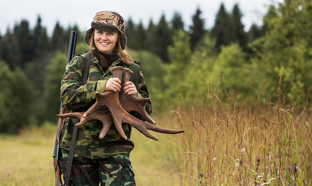 Женщина охотится за мужчинами